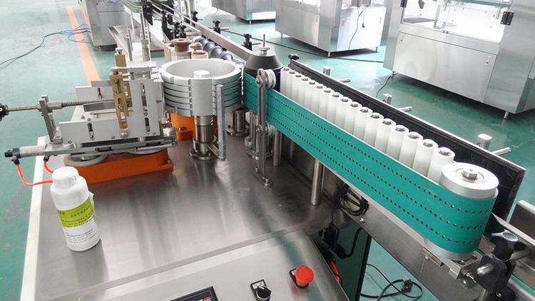 Fuldautomatisk etiketmaskine til vådlimpapirmærkning til alkoholprodukt